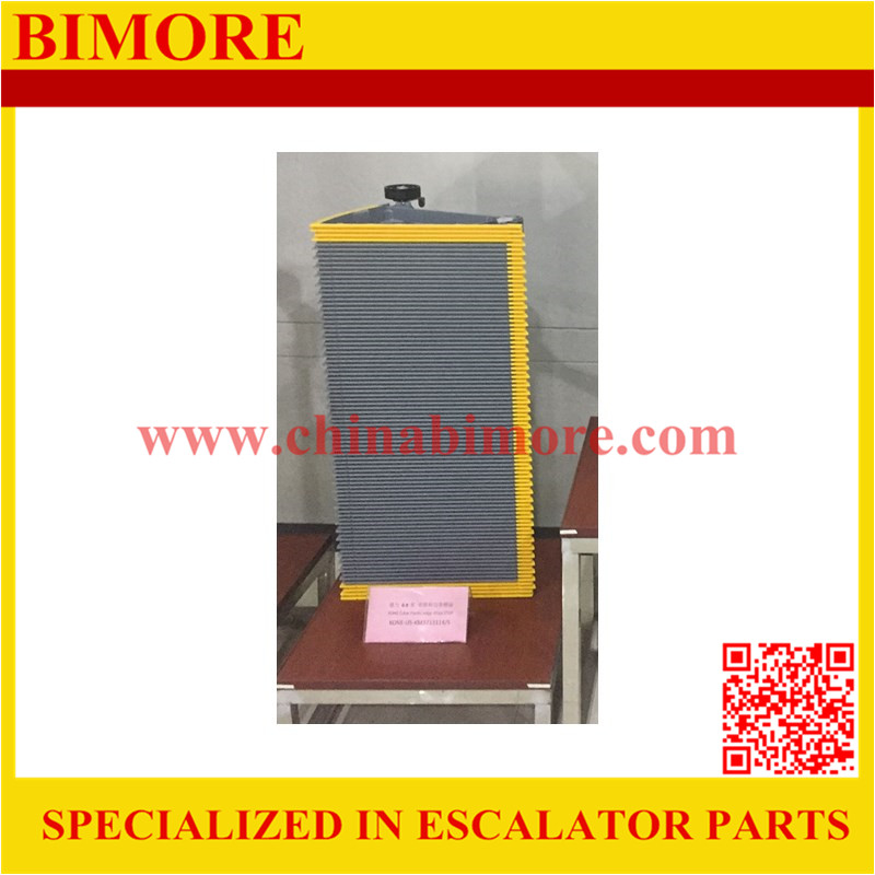 KM3713114/KM3713115 BIMORE Escalator step with yellow plastic demarcation 800mm
