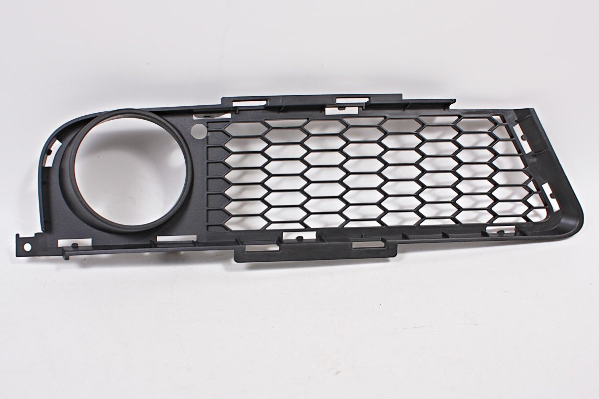 BMW 3 Series E90 E91 M OEM Genuine Front Bumper Fog Light Grill Right 2005-2008