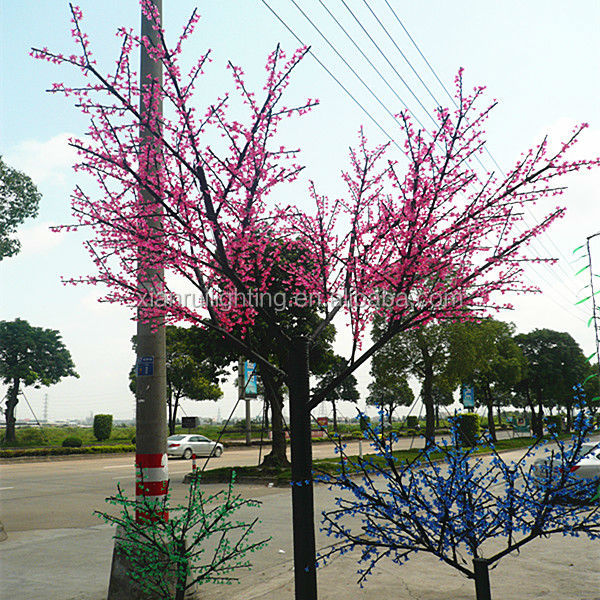Outdoor Road Decoration Pre Lit Artificial Christmas Trees