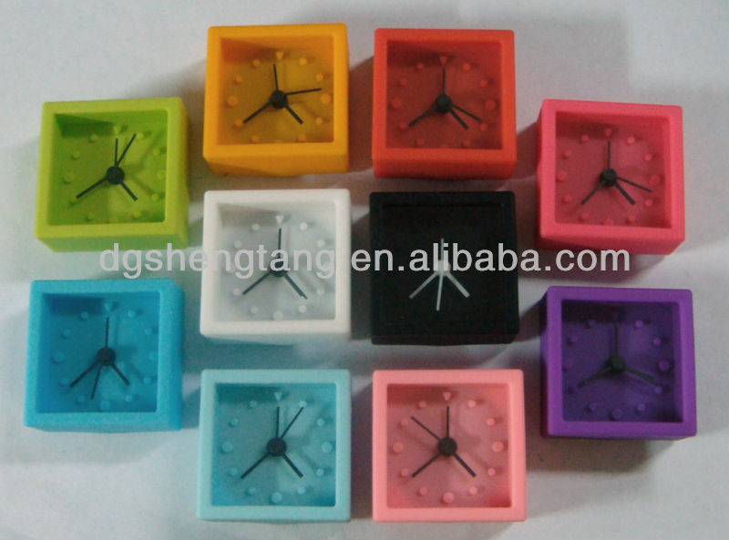 China fashion mini silicone alarm watch clocks with waker function
