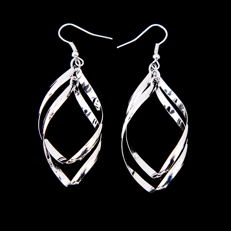 <strong>Fashion</strong> Elegant Dangle Shiny Silver Plated Leaves Shaped Stunning Bicyclic Twisty Earrings Drop Earrings for Women Jewelry