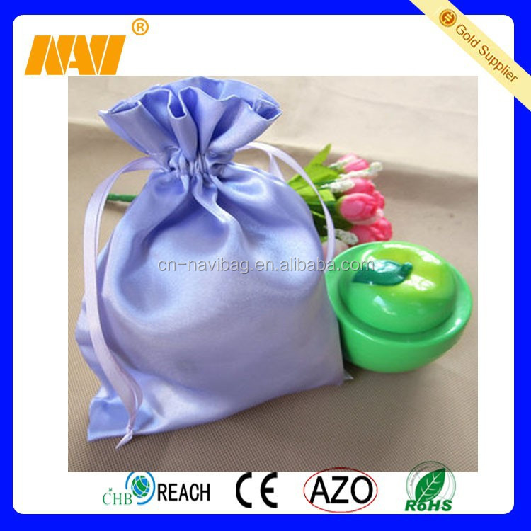 2015 high quality new design plain satin pouch bag
