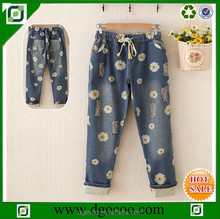 New design floral Printing denim girls and women party fashion short ladies trouser cutting