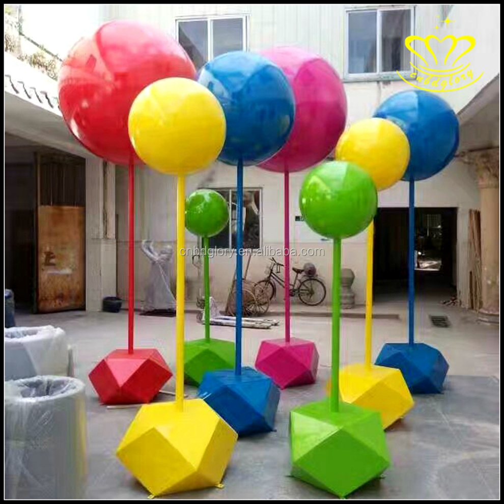 Hot selling bunch of custom cartoon balloons decor resin crafts statue