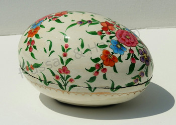 Hand painted easter gift boxpaper mache easter decorations egg hand painted easter gift boxpaper mache easter decorations egg shaped negle Images