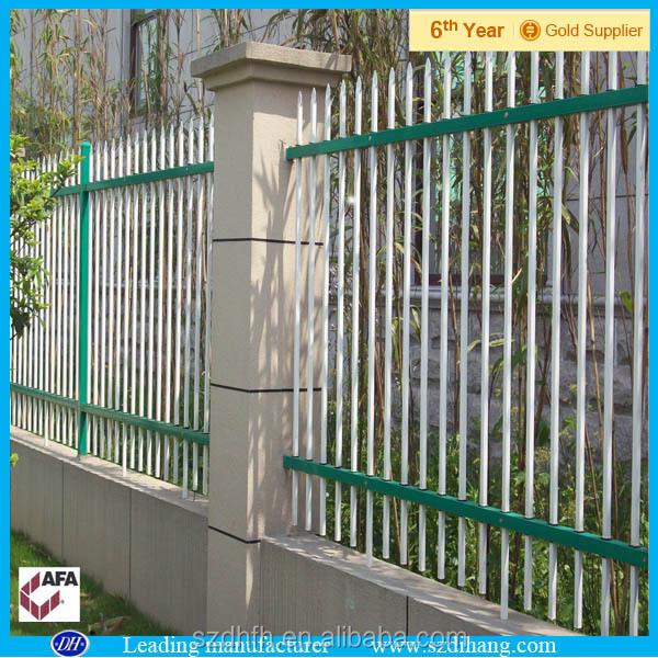 Cl ture m tallique panneaux chien de cl ture en m tal for Cloture metallique jardin