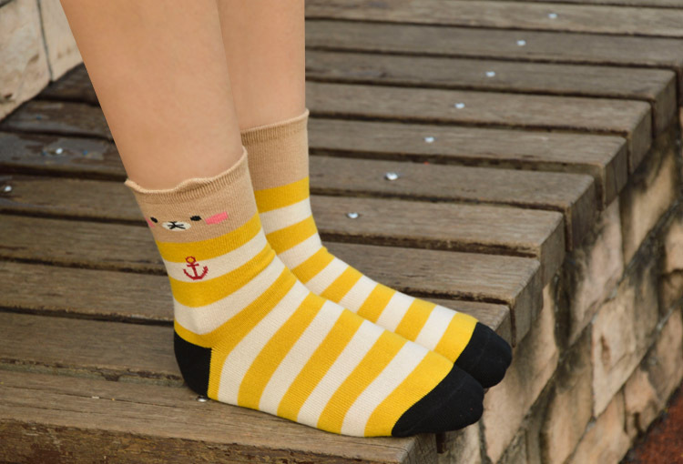 Красочный полосатый мультфильм медведь носки женщины , как прекрасный стиль зима новые носки высокое качество удобные хлопковые носки