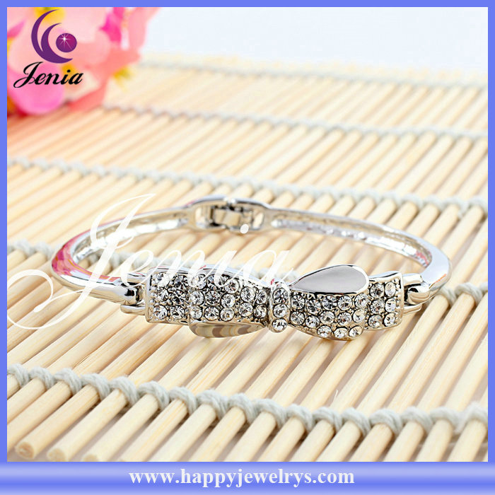 White 18k real gold plated with shine crystal alibaba top seller fashion bangle (XB033)
