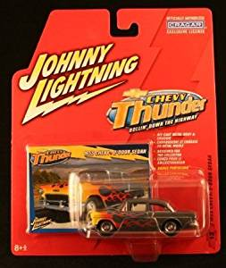 1955 CHEVY 2-DOOR SEDAN * CHEVY THUNDER * 2005 Johnny Lightning Die-Cast Vehicle & Collector Trading Card
