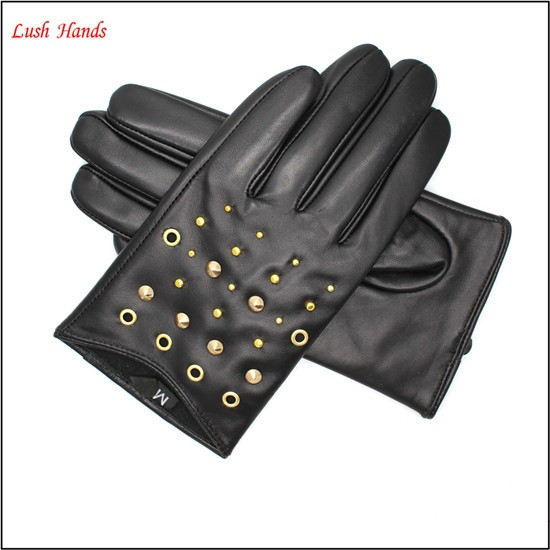fashion lady short drving gloves leather gloves with rivets of metal