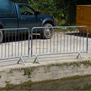 Galvanized steel crash mobile security crowd control barriers suppliers