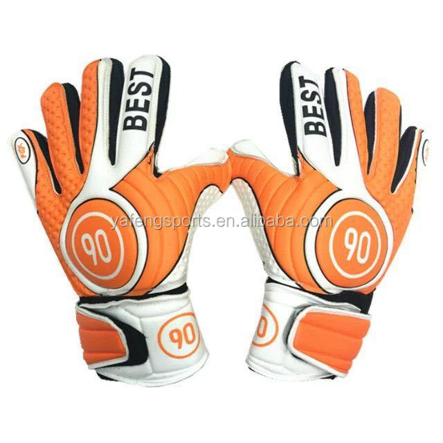 professional new football gloves customized high quality soccer goalkeeper gloves with finger protectors