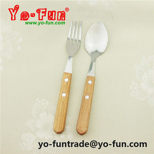 GSB023 Russia style hot wooden handle 18/0 stainless steel steak flatware