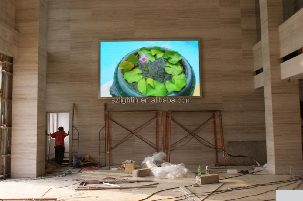 Illuminated Advertising Panels Indoor Video LED Display P5 Full Color LED Message Billboard