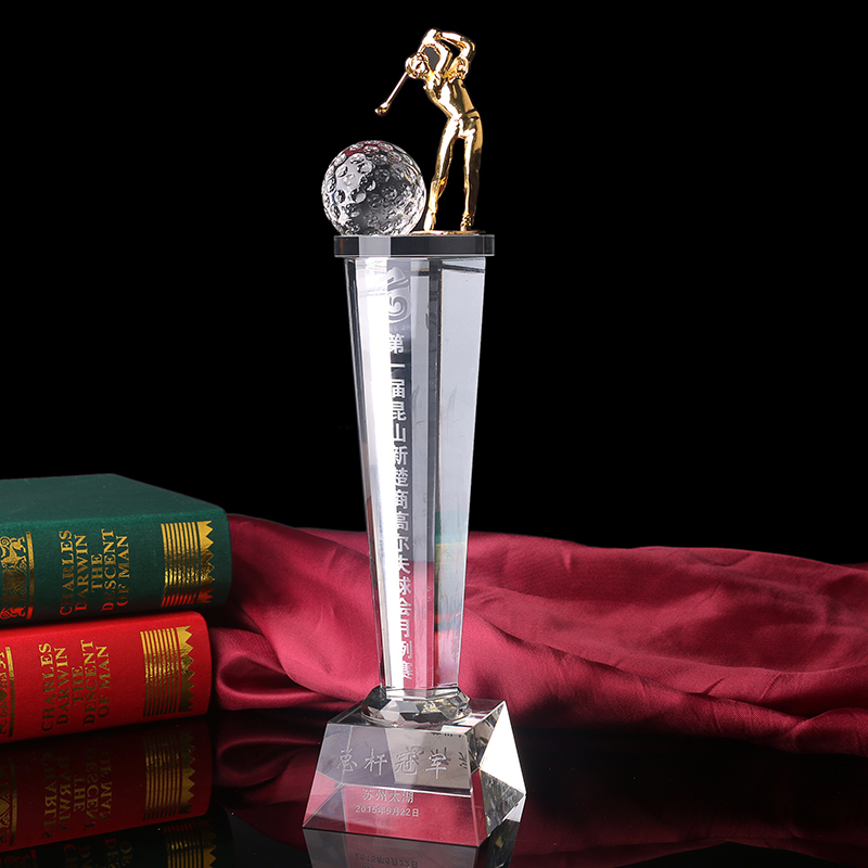 2017 high quantily Unique crystal golf cup,golf crystal trophy with metal sculpture