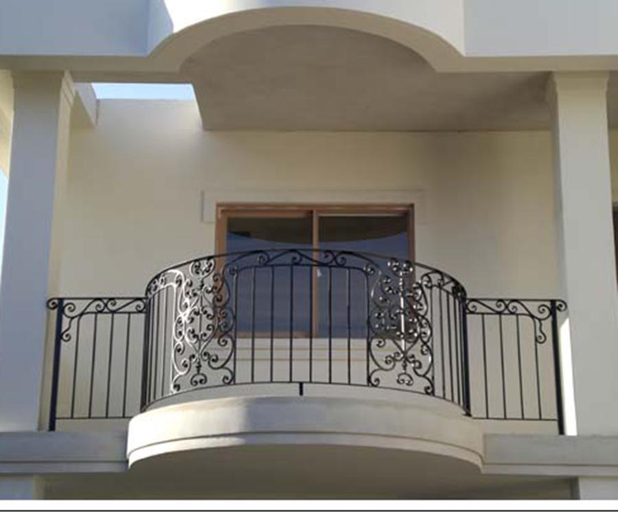 Classical barandillas de los balcones de hierro forjado for Barandillas hierro forjado
