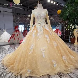b6990fb9285 Wedding Dress With Black Butterfly
