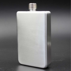 18 oz Stainless steel hip flask 18 oz of military small flagon Fashion Stainless Steel Hip Flask Alcohol Whiskey Liquor