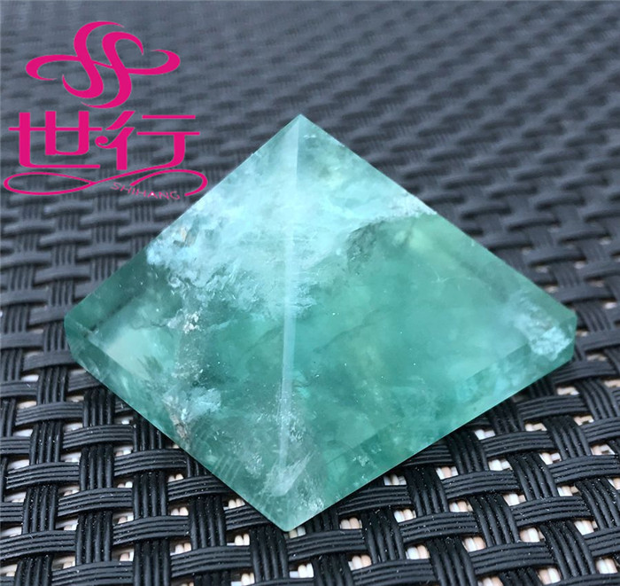 Top quality natural green fluorite quartz crystal singing pyramid
