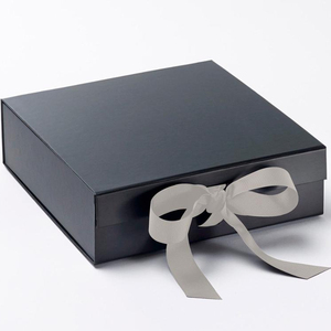 Custom printing luxury silver color folding box with ribbon closures gift box