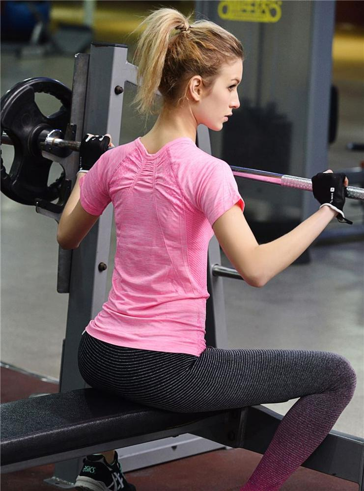 Manufacturers wholesale female fold the United States back fast dry sweat fitness yoga sports T shirt WA17