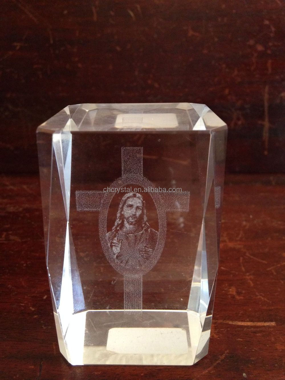 3d Laser Etched Jesus Christ In Cross Crystal Clear Glass
