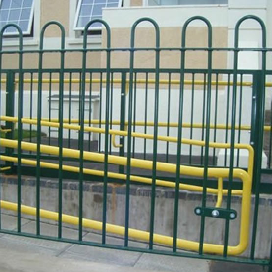 Children's Play Areas Bow Top Fencing