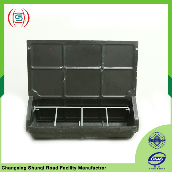 Polymer composite double smooth side feeding trough for animals