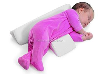 Kussen Voor Baby : Baby kussen kleine kussen voor baby u stockfoto heinteh