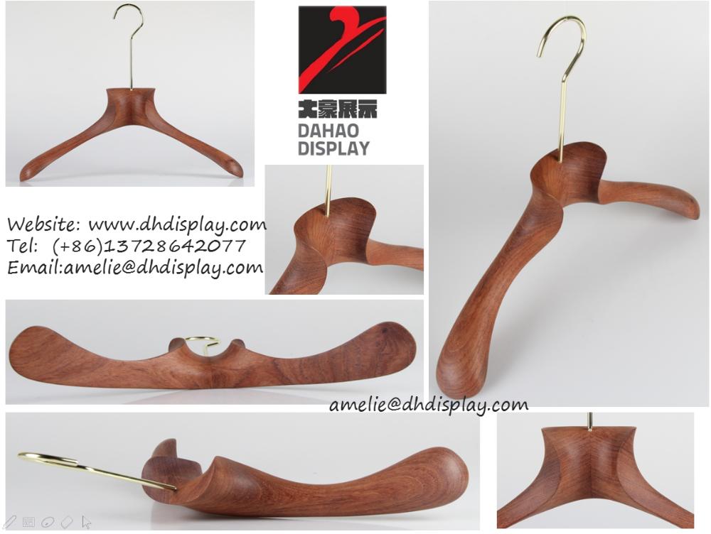 rose cintre avec cuivre crochet plat caoutchouc enduit cintre en bois cintres id de produit. Black Bedroom Furniture Sets. Home Design Ideas