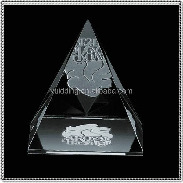 Custom 3D Laser Crystal Etched Pyramid Paperweights