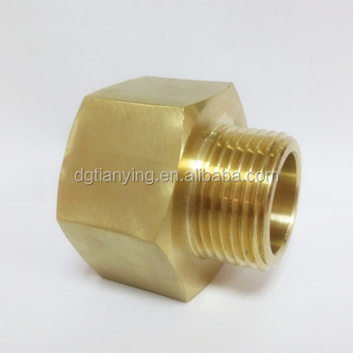 Brass npt male and female garden reducer adapter