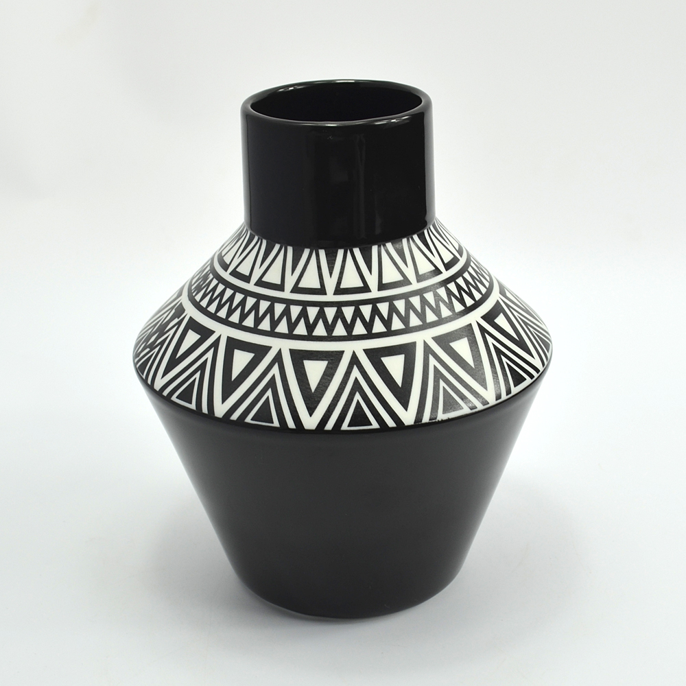 Wholesale black & white small size porcelain antique vase