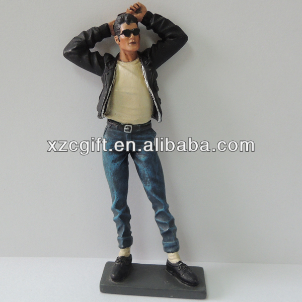 Polyresin Crafts Movies Guy Character