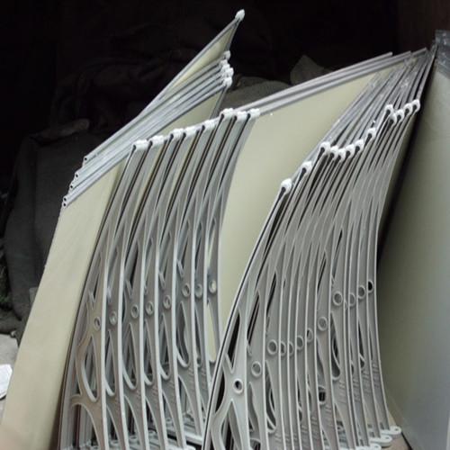 respectueux de l 39 environnement fen tre abri avec auvent cadre en m tal et en aluminium auvent. Black Bedroom Furniture Sets. Home Design Ideas