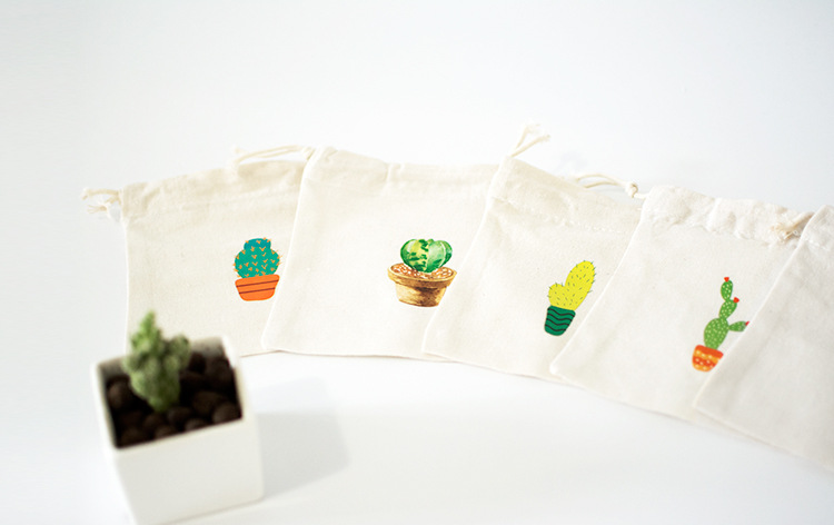 The factory sells 14X16cm lovely plant pattern cotton gift pouch gift bag cute plain cotton drawstring pouch