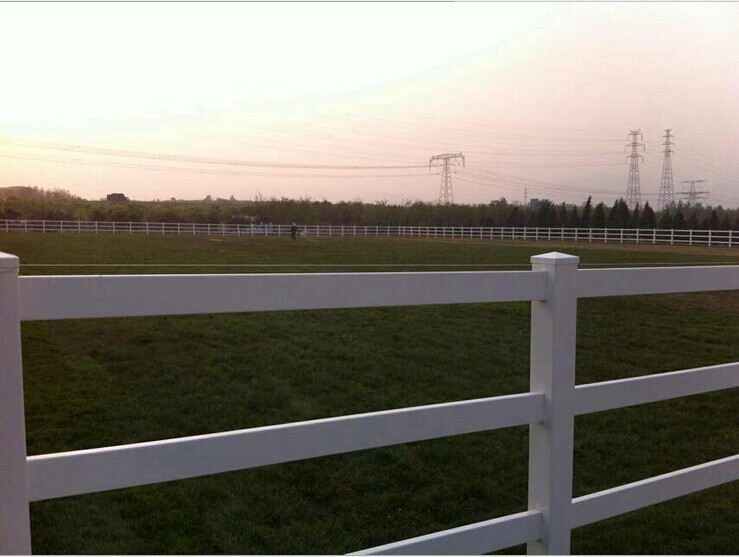 Factory direct sale pvc horse fence/metal horse fence panel