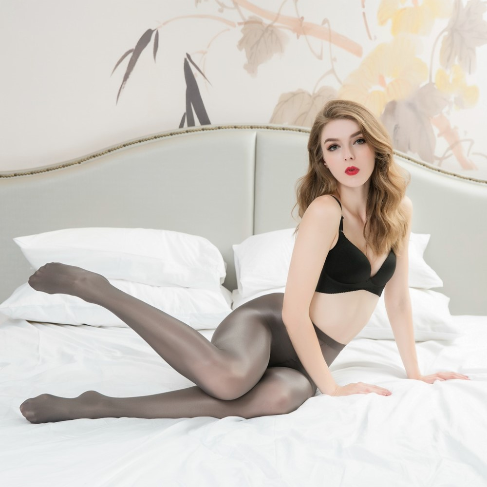 Women's 70 Denier Opaque Solid Color Footed Pantyhose Tights 9