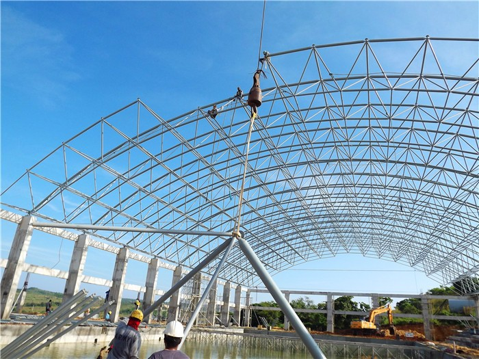 Spray Three Layer Paints Steel Roof Trusses Prices Swimming Pool Roof