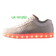 Latest factory made 2016 high quality unisex led shoes