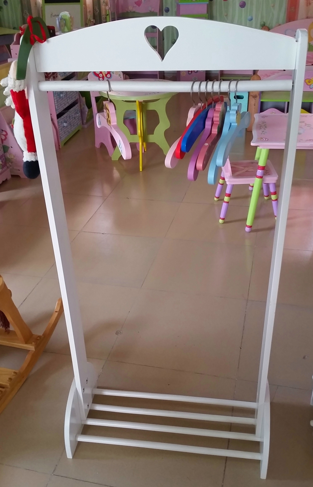 Hot Ing And Fashion White Wooden Clothes Rail For Kids Bedroom Furniture