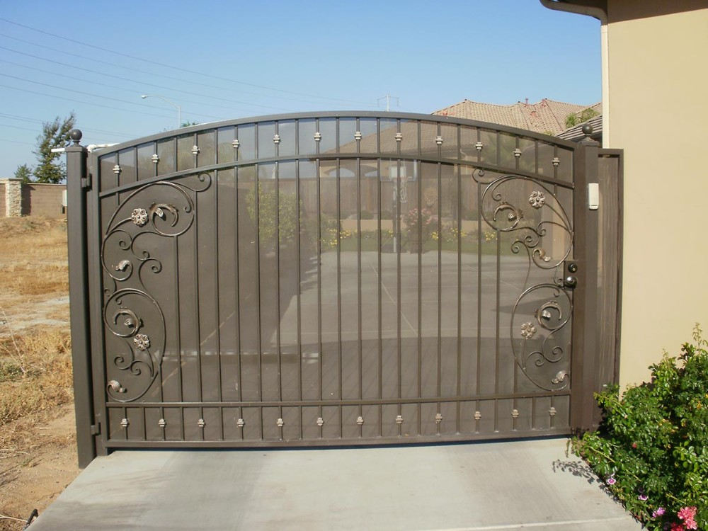 Indian Entrance Automatic Gate With Metal Sheet Design