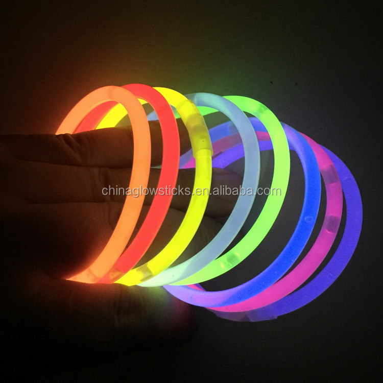 Diverse Kleuren 100 Glow in The Dark Sticks Bands Premium Lumistick Armbanden