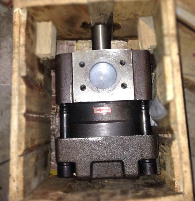 KAYABA KYB KFP2227ASMSJ GEAR PUMP,37B-1KB-3040, HYDRAULIC PUMP for forklift 4D94E engine,