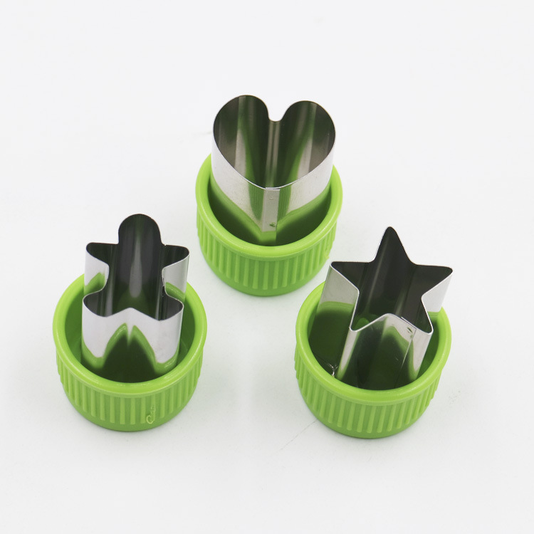 Circular mold sandwich cutting star and moon cookie mold set fruit cutting mold with fruit fork