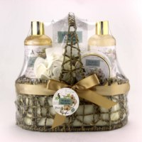 2019 hot selling christmas gift set bath luxury COCONUT Spa gift basket for her