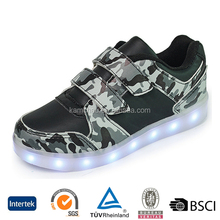 hot selling custom design fashion rubber sole children led light running shoes sneakers