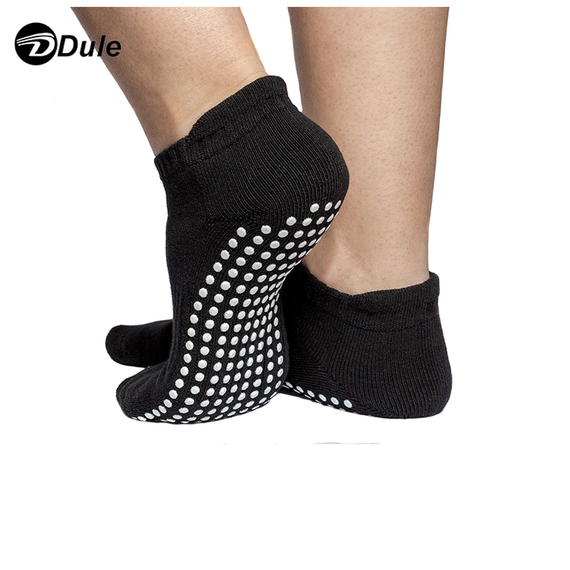 DL-I-1123 custom non slip socks anti slip socks custom grip socks manufacturer