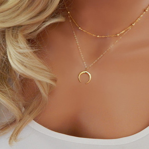 Fashion gold plated ladies necklace with horn wholesale N800338