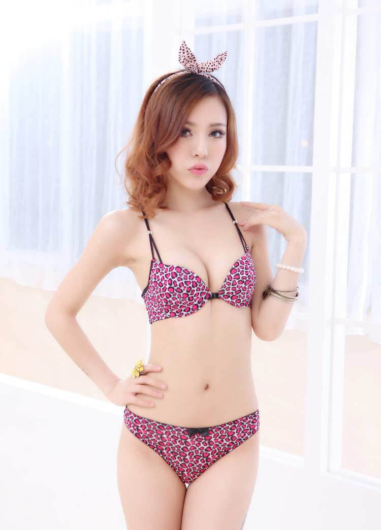 f3a086d7cefd9 Sexy One Piece Cross Straps No Rims Push Up Bra With Front Buckles ...
